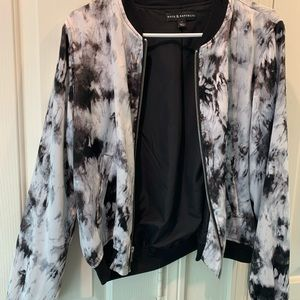 Silky tie-dye jacket size medium.